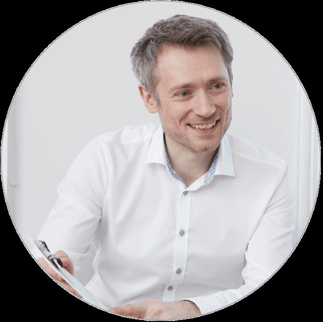 https://www.zornesfalte.at/wp-content/uploads/2020/10/Robert_Pilacek_Botox-Wien-Zentrum-640x638.png